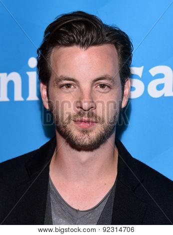 LOS ANGELES - APR 02:  Gethin Anthony arrives to the NBCUniversal's Summer Press Day 2015  on April 02, 2015 in Hollywood, CA