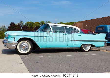 Cadillac Sedan De Ville