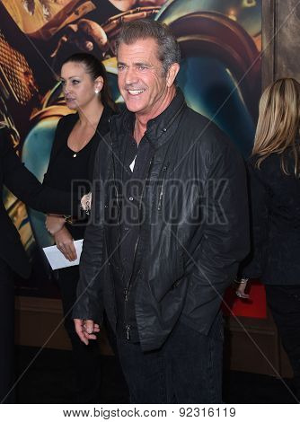 LOS ANGELES - MAY 07:  Mel Gibson arrives to the