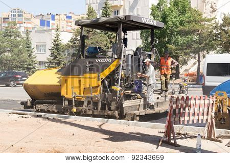 Tarmac Laying Workers
