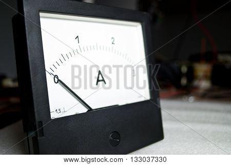 Zero Current. Ammeter