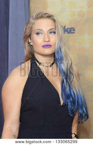LOS ANGELES - JUN 4:  Anastasia Yankova at the 10th Annual Guys Choice Awards at the Sony Pictures Studios on June 4, 2016 in Culver City, CA