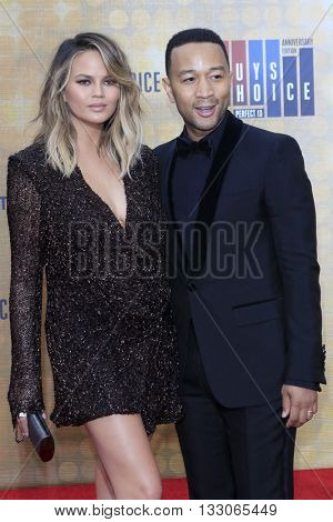 LOS ANGELES - JUN 4:  Chrissy Teigen, John Legend at the 10th Annual Guys Choice Awards at the Sony Pictures Studios on June 4, 2016 in Culver City, CA