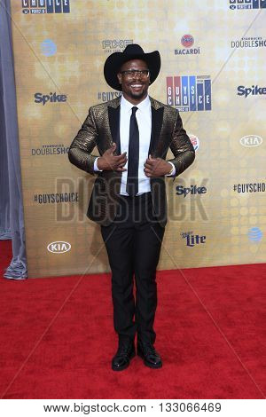 LOS ANGELES - JUN 4:  Von Miller at the 10th Annual Guys Choice Awards at the Sony Pictures Studios on June 4, 2016 in Culver City, CA