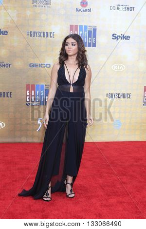 LOS ANGELES - JUN 4:  Sarah Hyland at the 10th Annual Guys Choice Awards at the Sony Pictures Studios on June 4, 2016 in Culver City, CA