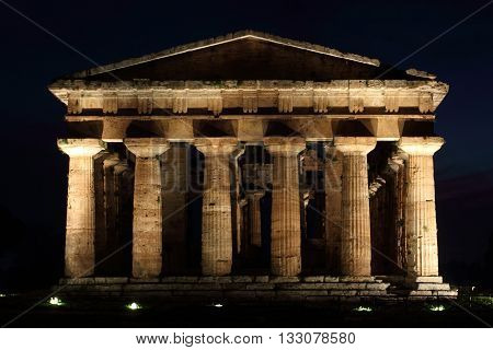 Capaccio - Paestum - the imposing temple illuminated at night