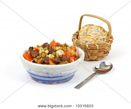 Vegetable Beef Soup And Crackers