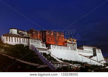 Dalai Lama's former residence in Lhasa - Potala Palace at Night