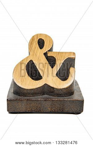 An ampersand logogram against a white background
