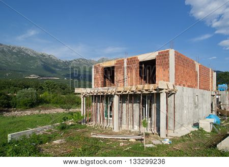 Сonstruction of two-storey house from the block