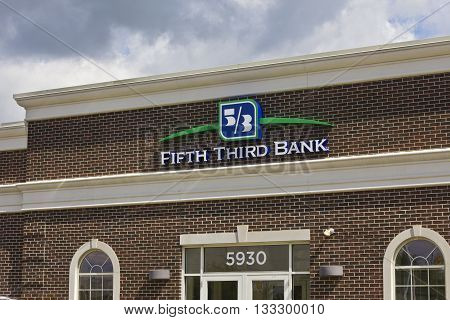 Indianapolis - Circa June 2016: Fifth Third Bank Consumer Branch. Fifth Third services 15 regions with more than 1300 locations
