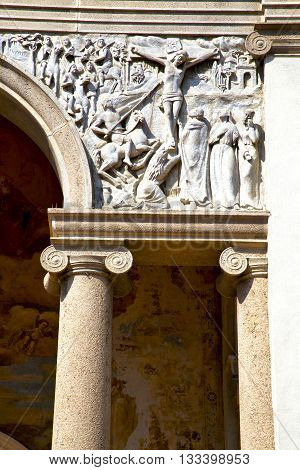 Wall Milan  In Italy Old   Church Concrete Wall  Doric Jesus Statue Christ