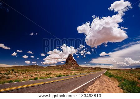 Agathla Peak, Highway 163, Arizona, Usa
