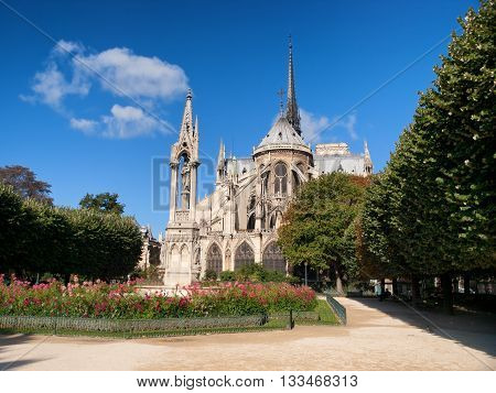 Notre Dame from Square du Jean XXIII Paris. Full lenght view.