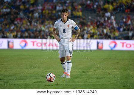 James Rodriguez Looking At The Ball Before Kicking