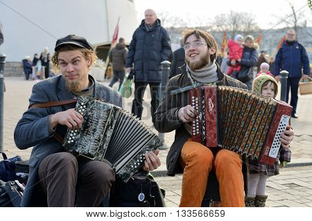 VILNIUS, LITHUANIA - MARCH 8: Unidentified musician in annual traditional crafts fair - Kaziuko fair on Mar 8, 2015 in Vilnius, Lithuania