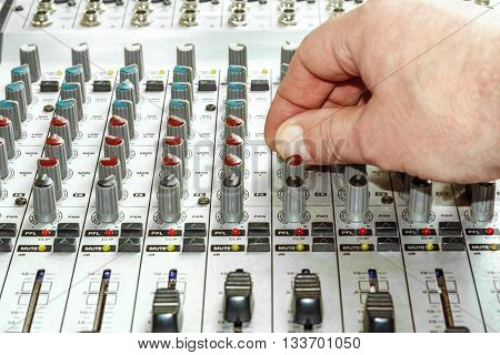 Hand tuning frequency parameters on audio mixer