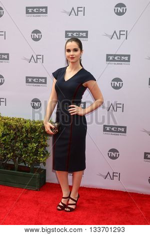 LOS ANGELES - JUN 9:  Vanessa Marano at the American Film Institute 44th Life Achievement Award Gala Tribute to John Williams at the Dolby Theater on June 9, 2016 in Los Angeles, CA