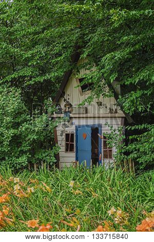 Dollhouse for garden gnomes in the forrest.