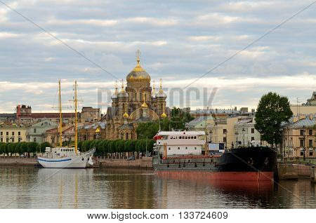 Russia.Saint-Petersburg.The landscape of the city in the morning.Ships moored on the waterfront Schmidt.