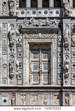 Facade of the Certosa di Pavia are typical of the Lombard architecture and combines Gothic and Renaissance styles. This is one of the largest monasteries in Italy built by Carthusians in 1396-1495.