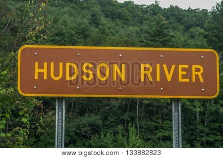 Brown and Yellow sign for the Hudson River in New York State