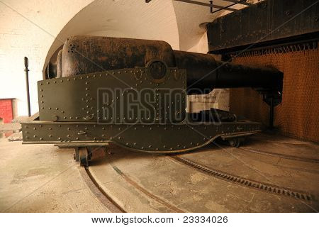 Victorian 12.5 inch cannon.