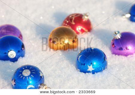 Balls And Snow