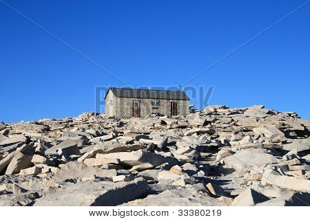Mount Whitney Summit Hut