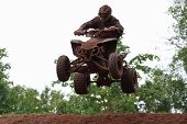 Quad Bike Racing, Airborne
