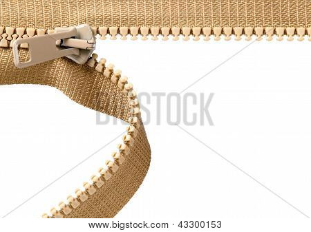 Zip marrom com dentes de metais