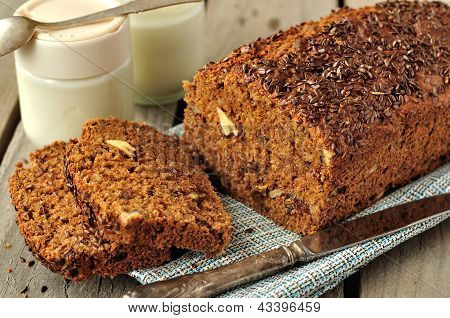 Whole-Grain Cake Loaf