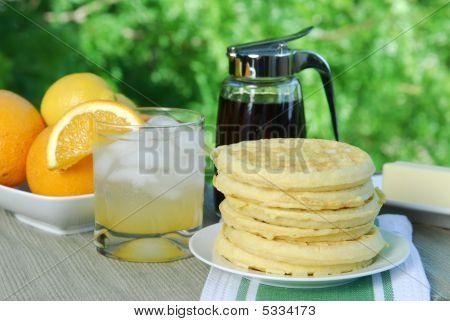 Breakfastoutdoors