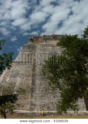 Mayatemple In Uxmal - Mexico