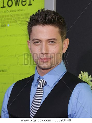LOS ANGELES - SEP 10:  Jackson Rathbone arrives to the