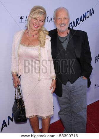 LOS ANGELES - AUG 08:  Richard Dreyfuss & Svetlana Erokhin arrives to