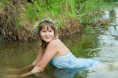 pic of undine  - Pretty girl in flower chaplet at river - JPG