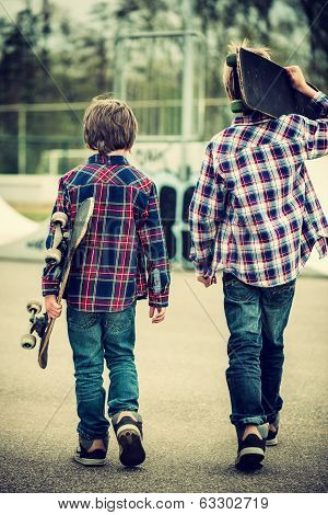 Walking Skater Boys