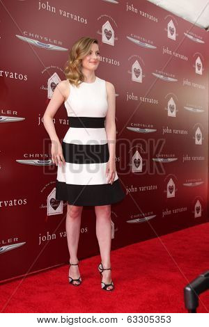 LOS ANGELES - APR 13:  Gillian Jacobs at the John Varvatos 11th Annual Stuart House Benefit at  John Varvatos Boutique on April 13, 2014 in West Hollywood, CA