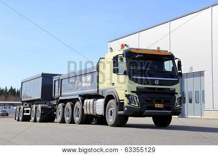 Volvo FMX 8X4 Truck