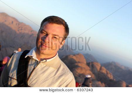 Man Has Tour To Mount Sinai