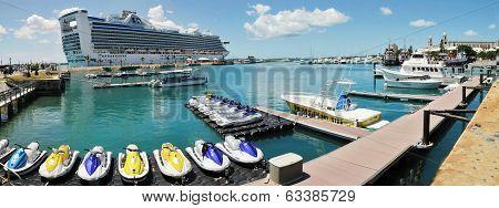 Hamilton Bay, Bermuda