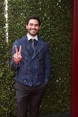 LOS ANGELES - APR 13:  Tyler Hoechlin at the John Varvatos 11th Annual Stuart House Benefit at  John