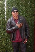 LOS ANGELES - APR 13:  LL Cool J at the John Varvatos 11th Annual Stuart House Benefit at  John Varv