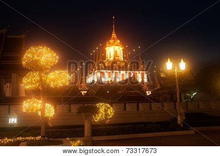 Scenic Of night view At Wat Rat Natda Ram Worawihan Monastery.
