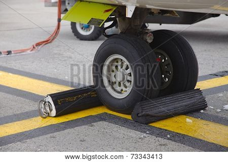 Front landing gear on the ground