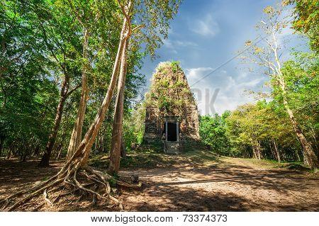 Ancient Pre Angkor Sambor Prei Kuk Temple Ruins. Cambodia