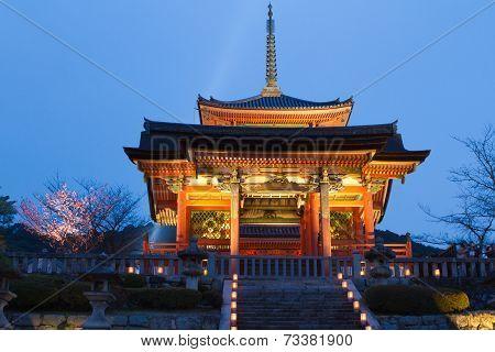 Seimon Gate And Three-storey Pagoda Of Kiyomizu Temple, Kyoto, Japan