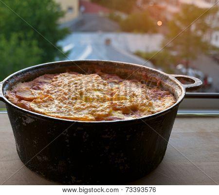 Shepherd's pie in a pot on the balcony