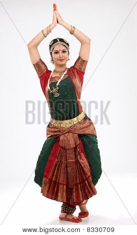 woman doing traditional dance